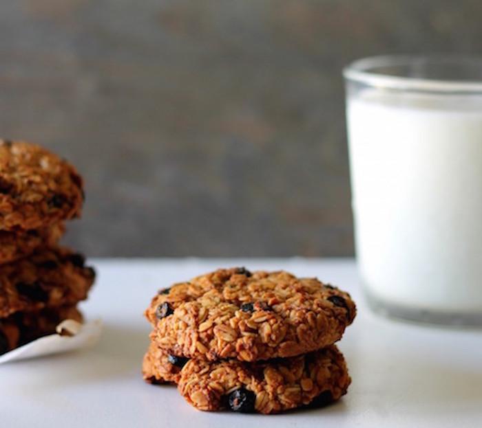 blueberryoatmealcookies-1024x911