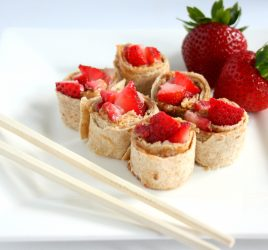 Just in time for back-to-school, my delicious and simple 3 ingredient, 5 minute PB & Strawberry Sushi! Your kids will love this fun and tasty lunch!