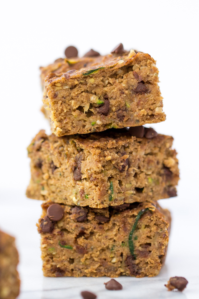 zucchini-chocolate-chip-protein-bars-8