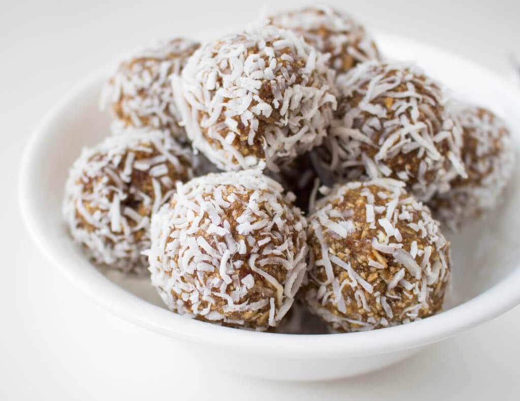 No-bake Apple Cinnamon Energy Balls are a delicious, allergen-friendly snack for the entire family. Because they use sunflower seed butter instead of nut butters, they are a school-approved lunchbox treat!