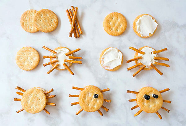 Halloween Spider Cracker Snacks via La Jolla Mom