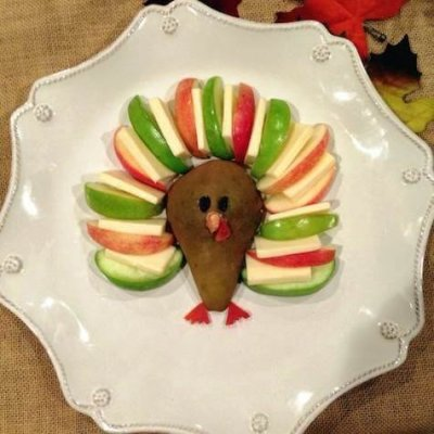 Kid-Friendly Cheddar and Apple Turkey Appetizer