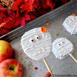 Mummy Apple Slices via The Keeper of Cheerios