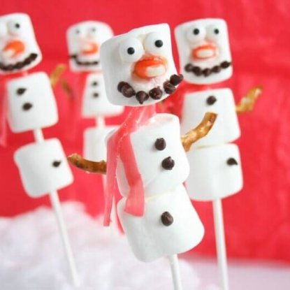 Holiday Treat: Snowman Marshmallow Pops